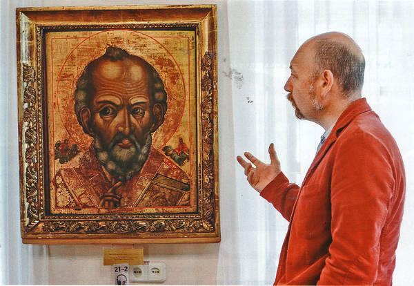 Сотрудник Ветковского музея Андрей Скидан объяснит, почему Никола Отвратный смотрит за левое плечо молящегося